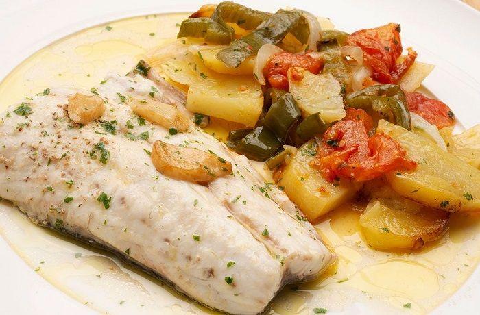 Receta de lubina al horno con patatas